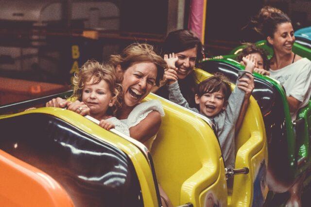 Activități de vară cu copii în parcul de distracții - idei de la Centrul Nomin Jyuku